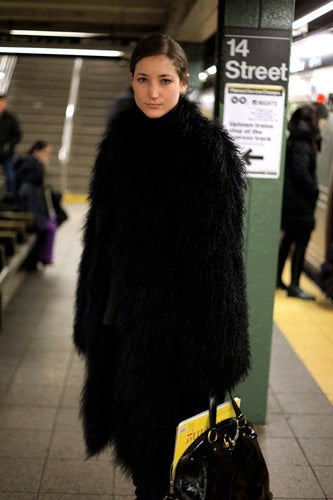 2-beating-hot-subway-photos-a