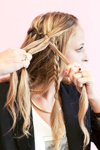 Как сделать косичку одну за волосами 476