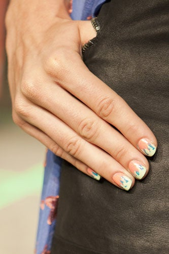2012-nail-art-trends-freehand