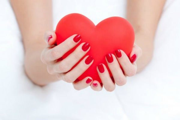 red-nailpolish valentines nailbar horizontal edit