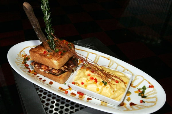 12_Hash-House-a-Go-Go-Meatloaf-Sandwich