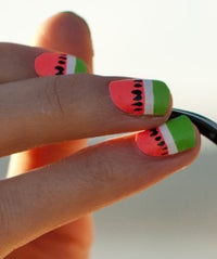scratch-nails-watermelon-opener