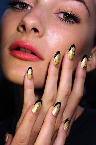2012-nail-art-trends-foil