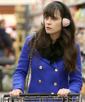 zooey-deschanel-earmuffs-280