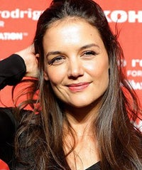 katie-holmes-snail-280