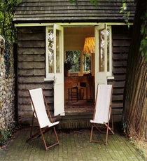 The-Lodge-Writing-Shed-in-the-garden-at-Monk's-House,-East-Sussex