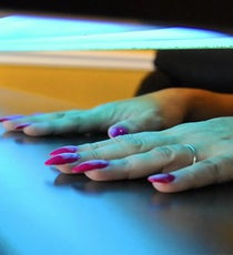 gel-manicures-cancer