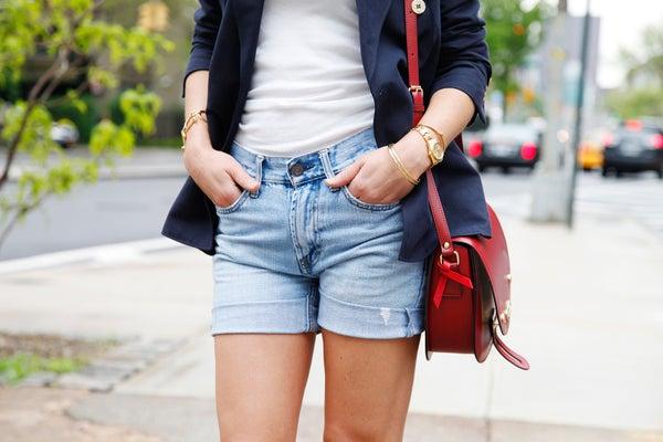 Tip: Tự cắt cho mình một chiếc short mùa hè nào!