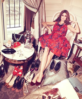COVER_Olivia_Palermo_3-19-12_Meurice_hotel_with_shoes_ref-image1_996x665