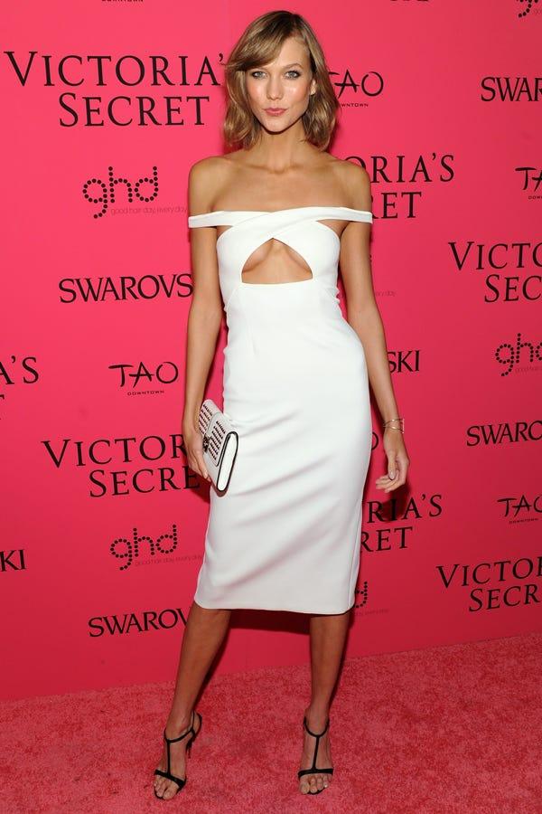 Karlie Kloss Under Boob Dress - Victorias Secret Show