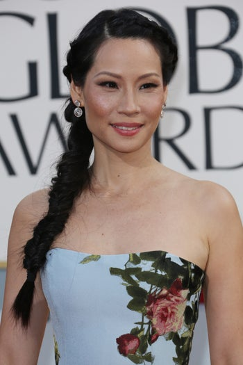 golden-globes-beauty-lucy-liu