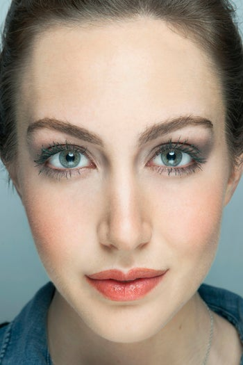 colored-mascara-makeup-tips-green