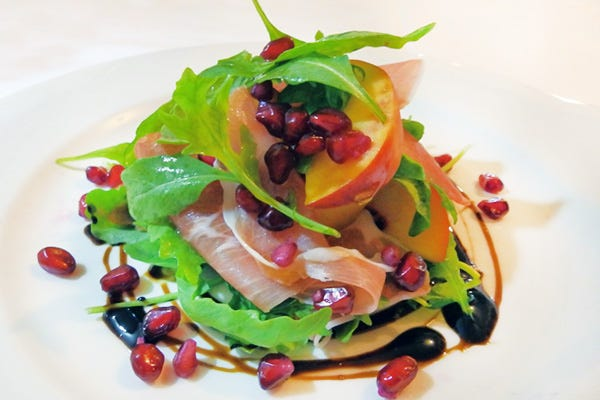 Parma-Ham,-Peaches-and-Pomegranate-Salad-(1)