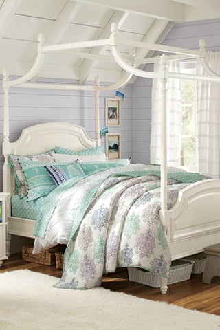 Coraline-Canopy-Bed