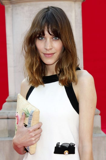 stylish-summer-haircuts-alexa-chung