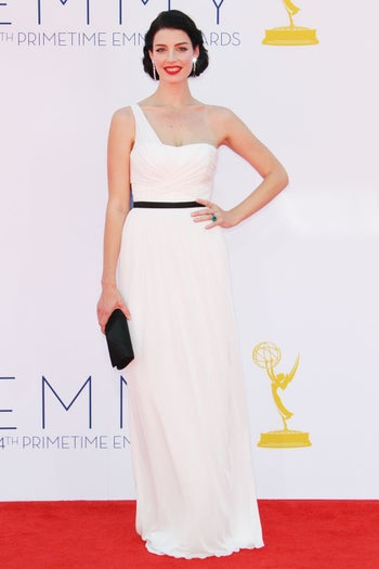 emmys-dresses-jessica-pare