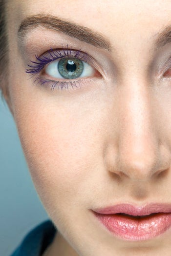 colored-mascara-makeup-tips-purple1