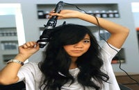 how-to-curl-hair-with-curling-iron