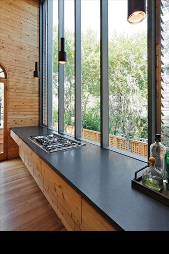 GIFFORD HOUSE II, KITCHEN. COURTESY OF FIRE ISLAND MODERNIST: HORACE GIFFORD AND THE ARCHITECTURE OF SEDUCTION.