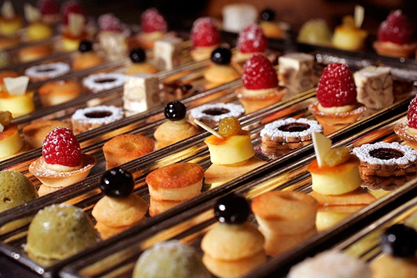 petits-fours-photo-by-O.-Franken-cut
